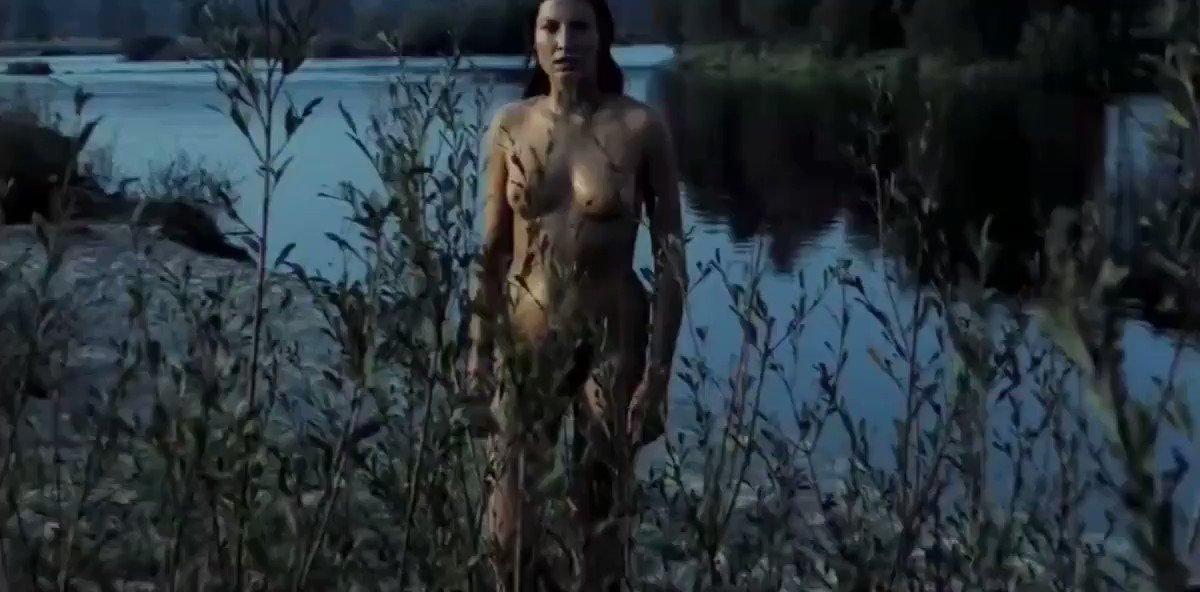 Liliana Komorowska – Austeria (1982)  – Celeb Nudity