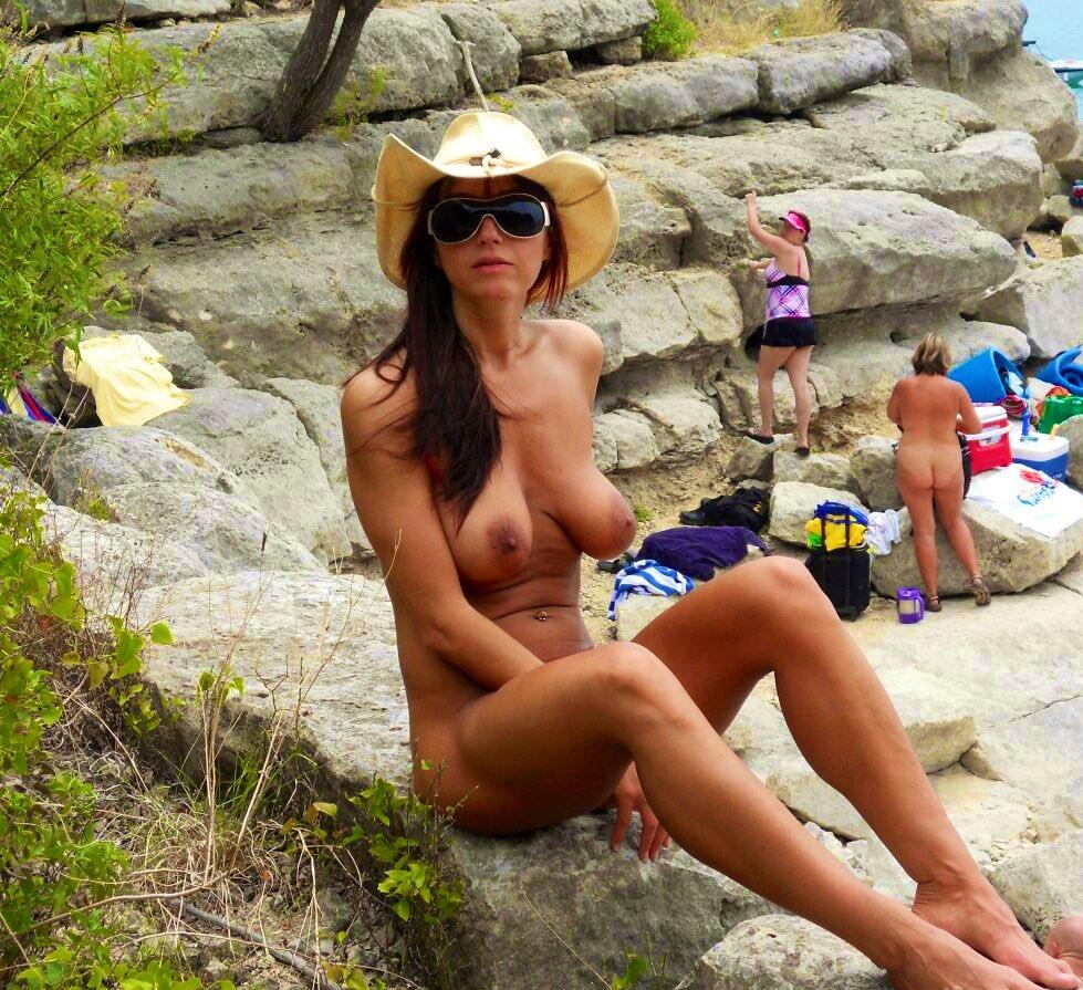 Sexy milf at the beach  – NUDE ART
